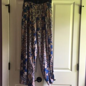 Lightweight flowing pants size medium